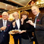 LAMBERTZ SOLE PROPRIETOR HERMANN BÜHLBECKER WITH THE POLITICIANS PETER BLESER AND HENRIETTE REKER AS WELL AS KÖLNMESSE BOSS GERALD BÖSE AT AN EXCLUSIVE TASTING OF OUR SWEET TREATS.